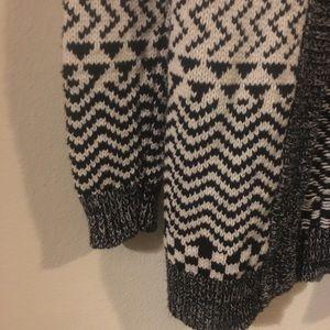 Forever 21 Sweaters - Forever 21 Tribal Print Black/White Cardigan
